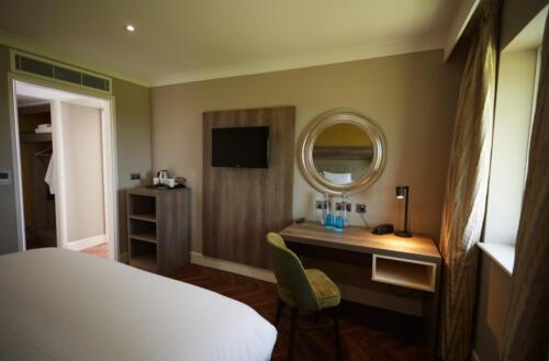 Room 222 33
